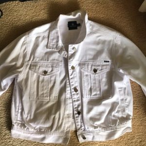 White jean jacket size large.  New Volcom